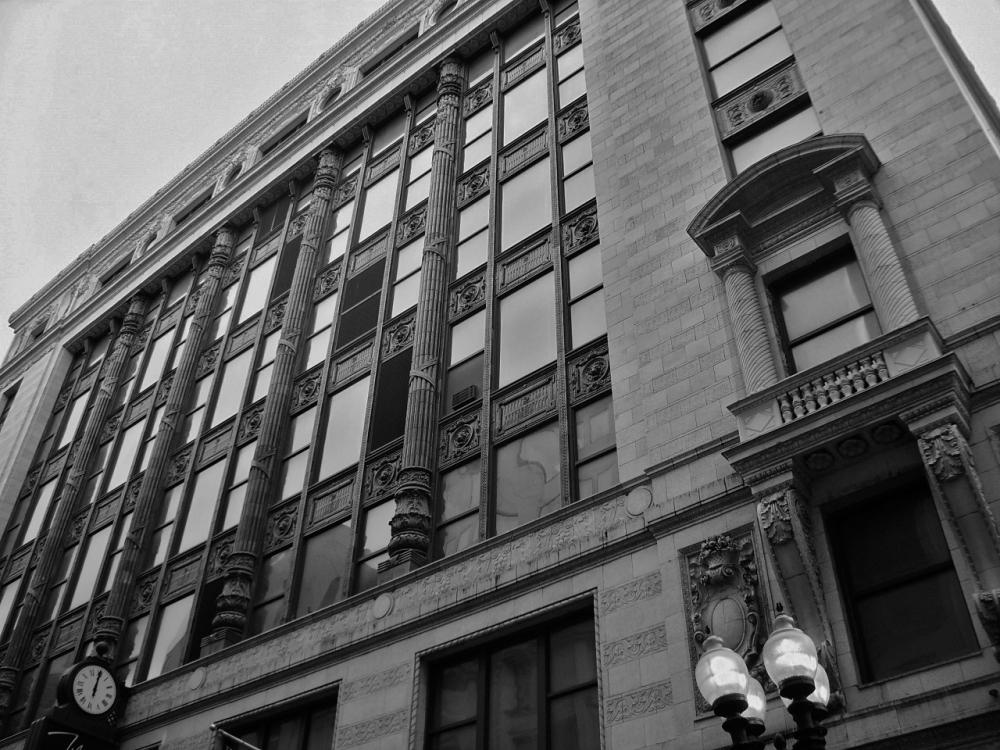 Daniel H. Burnham's Filene's Building