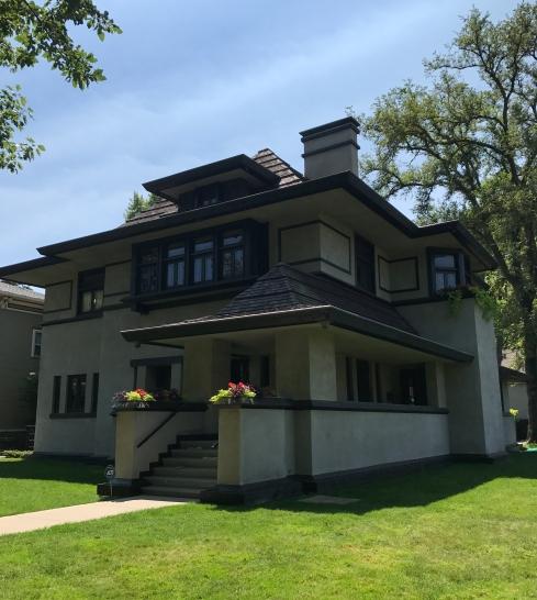 edward-r-hills-decaro-house-1906-1977-oak-park-1.jpg