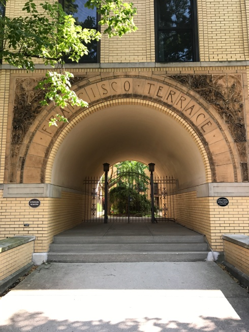 Francisco Terrace, 1895 Oak Park